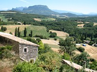 independent walking holidays drome france